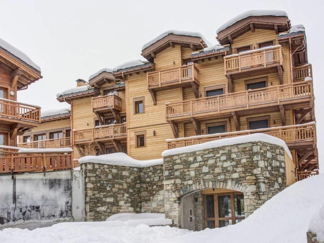 Exterior building facade family apartment Padouk Courchevel Moriond
