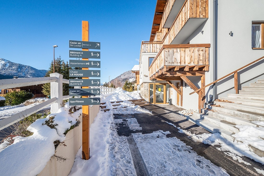 Ski apartments direction in Morzine