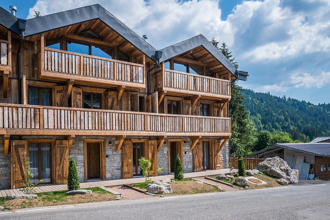 Outside view of Moulin II luxury chalet in Les Gets
