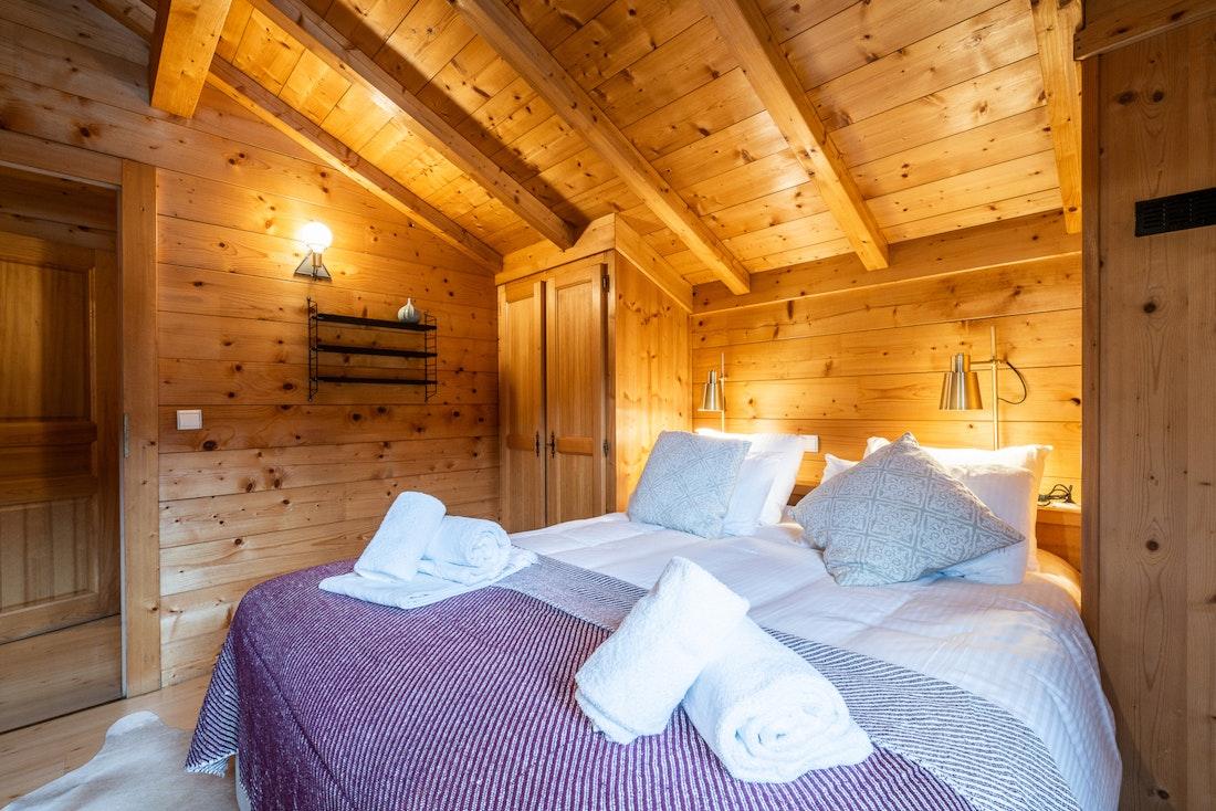 Luxury double ensuite bedroom alps chalet Doux-Abri Morzine