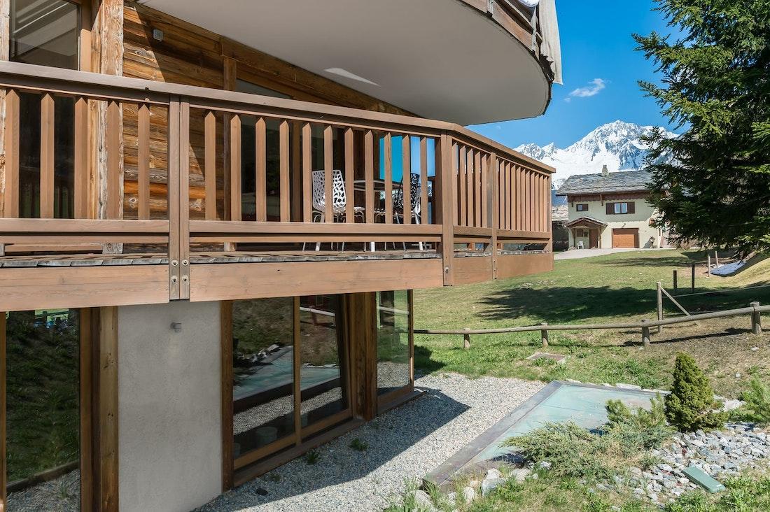 Vue du paysage du chalet luxe aux pied des pistes appartement Moabi Courchevel Le Praz