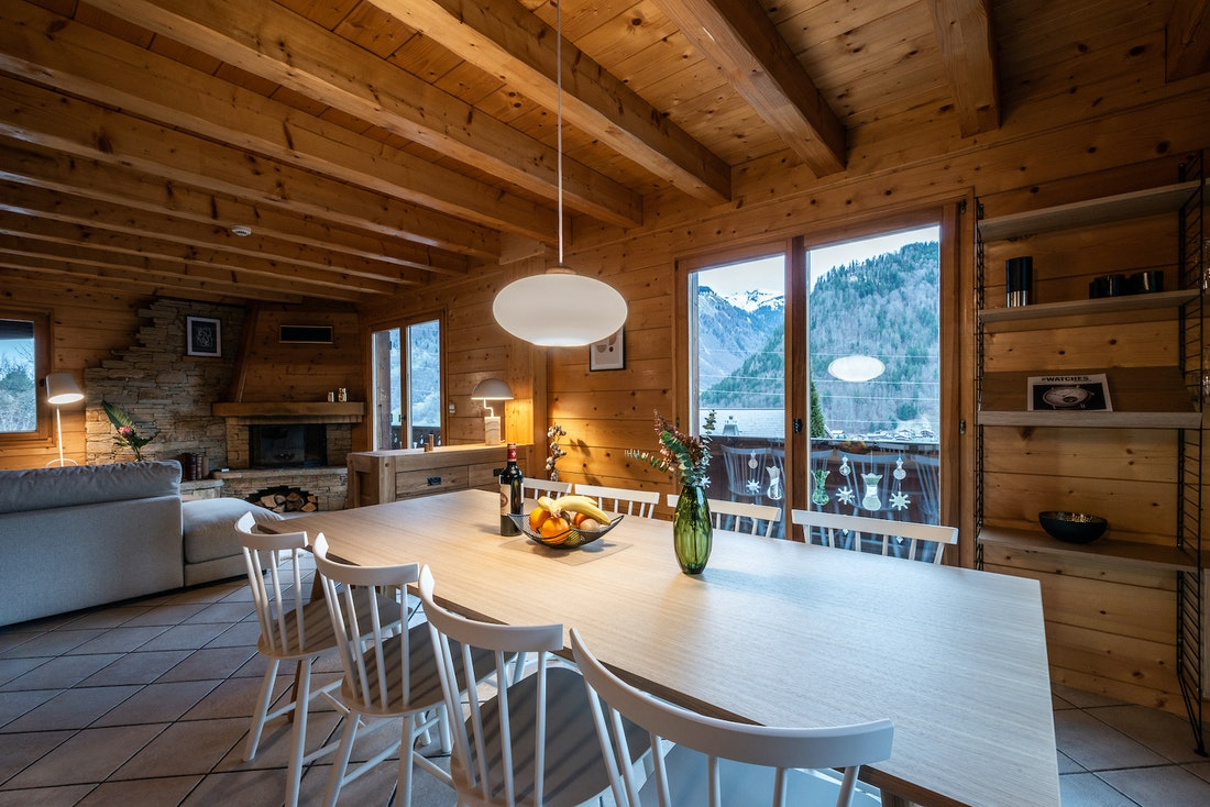 Open dining room living room mountain views luxury eco-friendly chalet Doux-Abri Morzine