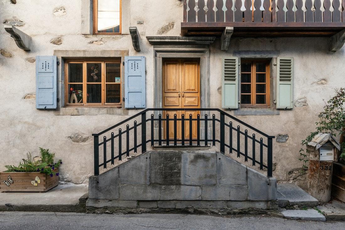Street entrance of La Ferme de Margot luxury chalet in Morzine