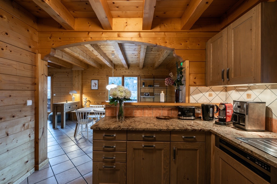 Design fully-equipped kitchen luxury eco-friendly chalet Doux-Abri Morzine