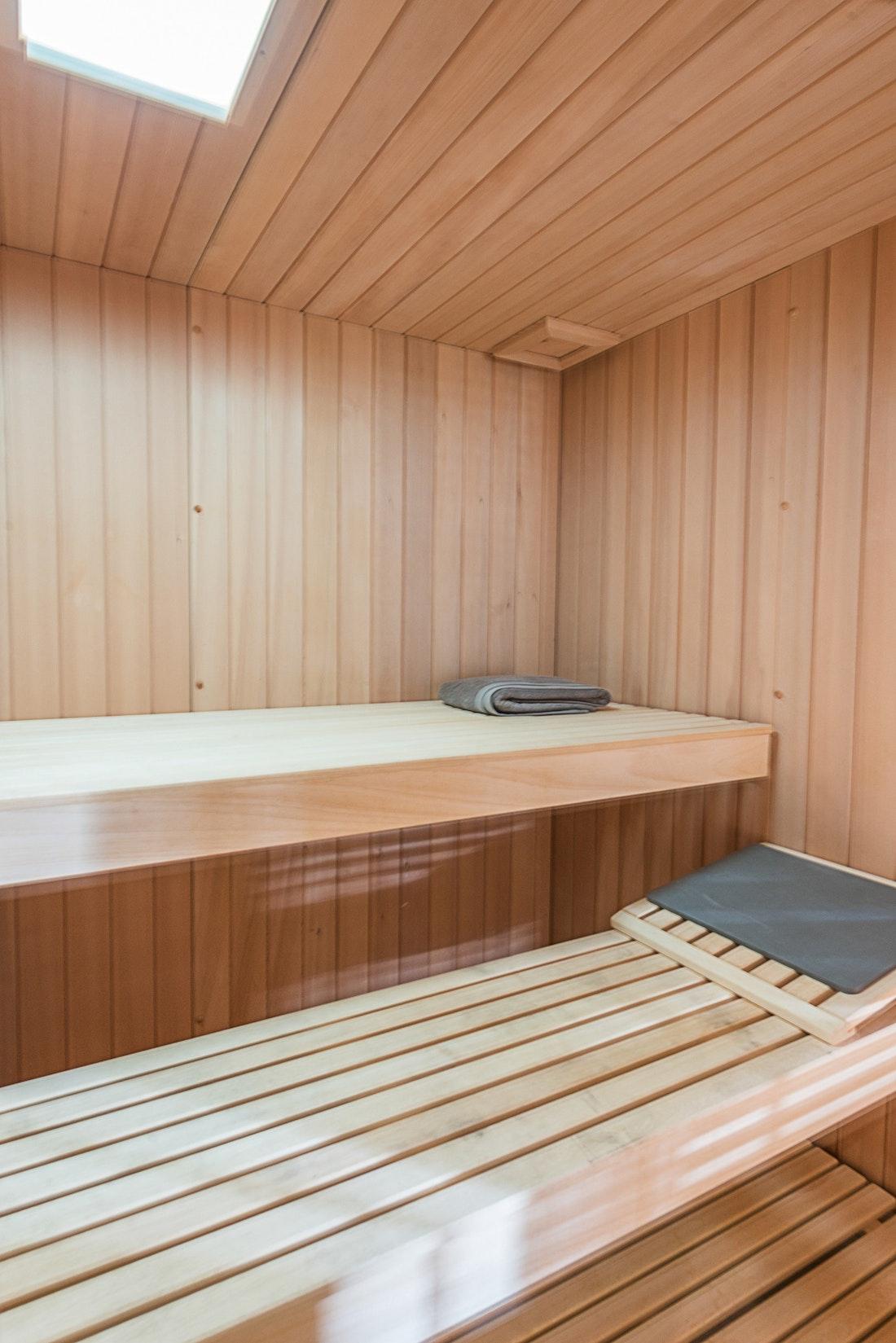 Large private sauna hot stones eco-friendly chalet Omaroo II Morzine