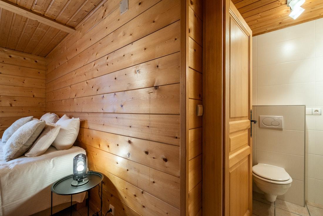Luxury double ensuite bedroom eco-friendly chalet Doux-Abri Morzine