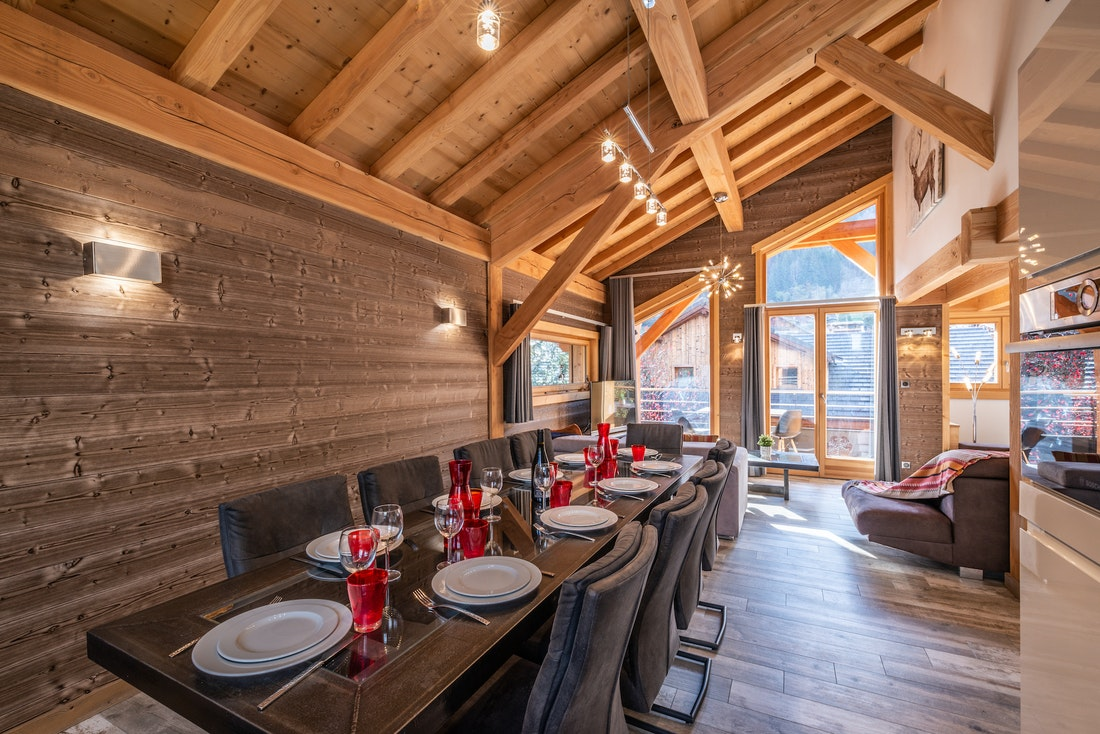 Bright dining room at Etoile accommodation in Morzine