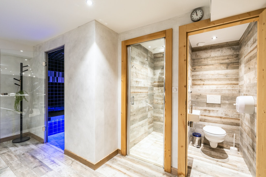 Spa area with sauna and hammam at Ourson accommodation in Morzine