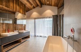 En-suite modern bathroom at Le Rouge luxury chalet in Morzine