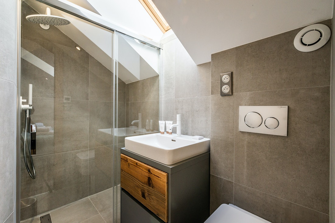 En-suite with shower at Douka accommodation in Morzine