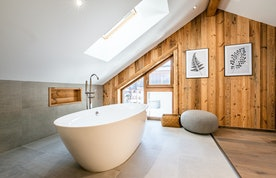 Oval bathtub at Ruby luxury accommodation in Chamonix