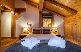 Luxury double ensuite bedroom private bathroom ski chalet Abachi Les Gets