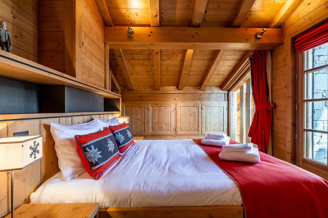 Cosy double bedroom ample cupboard space mountain views alps chalet Abachi Les Gets