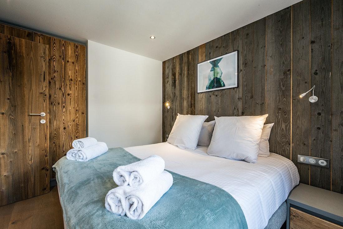 Double bedroom en-suite with premium mattress at Herzog luxury chalet in Chamonix