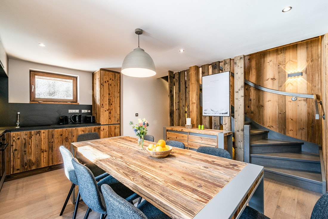 Fully-equipped kitchen at Badi luxury chalet in Chamonix