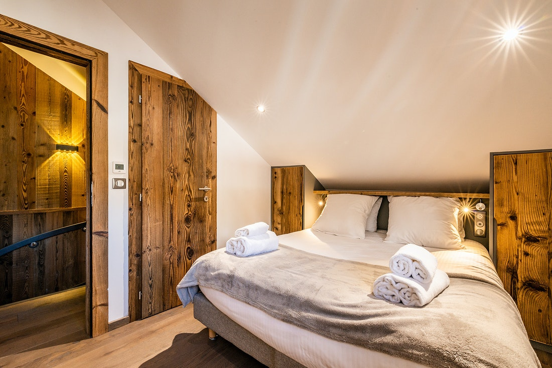 Cosy double bedroom en-suite at Douka accommodation in Morzine