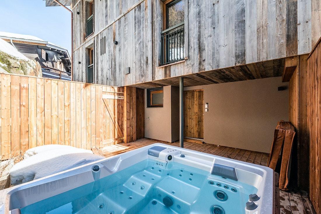 Private hot tub at Herzog luxury chalet in Chamonix
