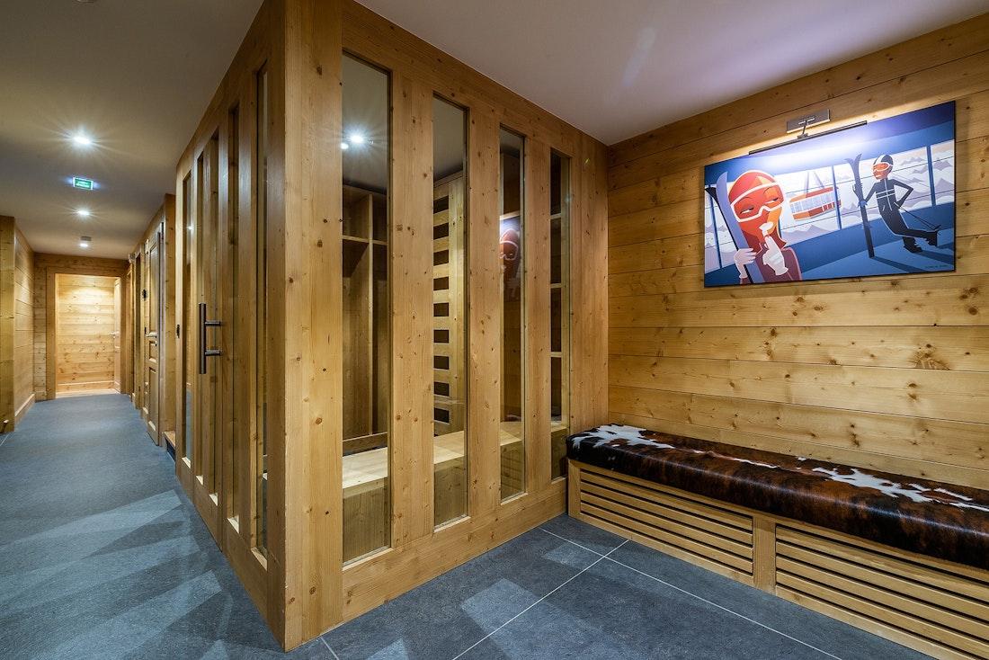 Wooden sauna hot stones ski chalet Abachi Les Gets