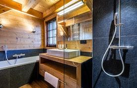 Contemporary bathroom bath walk-in shower tub ski chalet Abachi Les Gets
