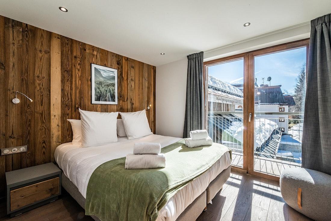 Double bedroom en-suite at Badi luxury chalet in Chamonix