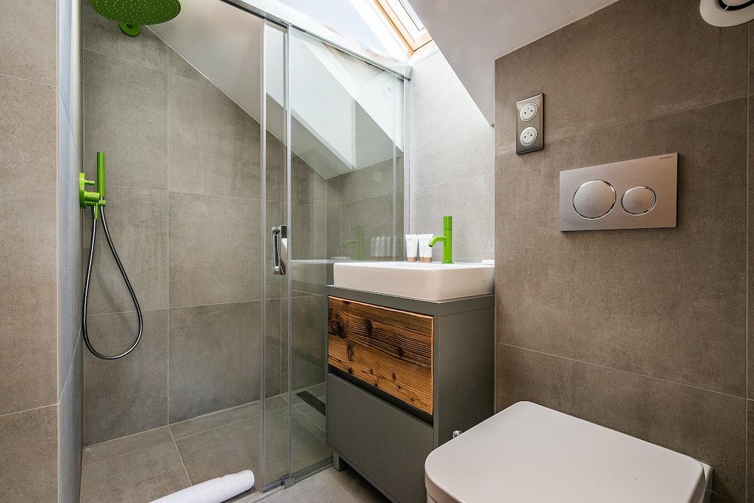 Bathroom with shower at Badi luxury chalet in Chamonix