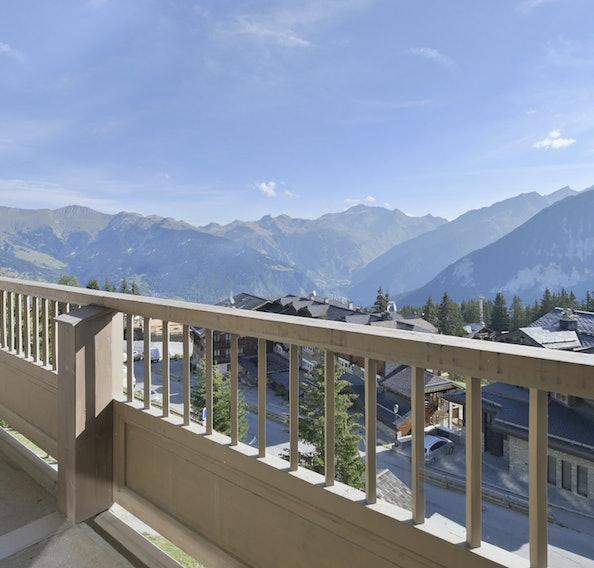 Mountain views ski in ski out apartment Itauba Courchevel 1850
