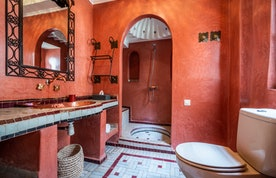 Bathroom with shower at Adilah riad in Marrakech