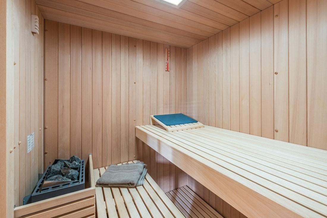Private sauna hot stones eco-friendly chalet Omaroo II Morzine