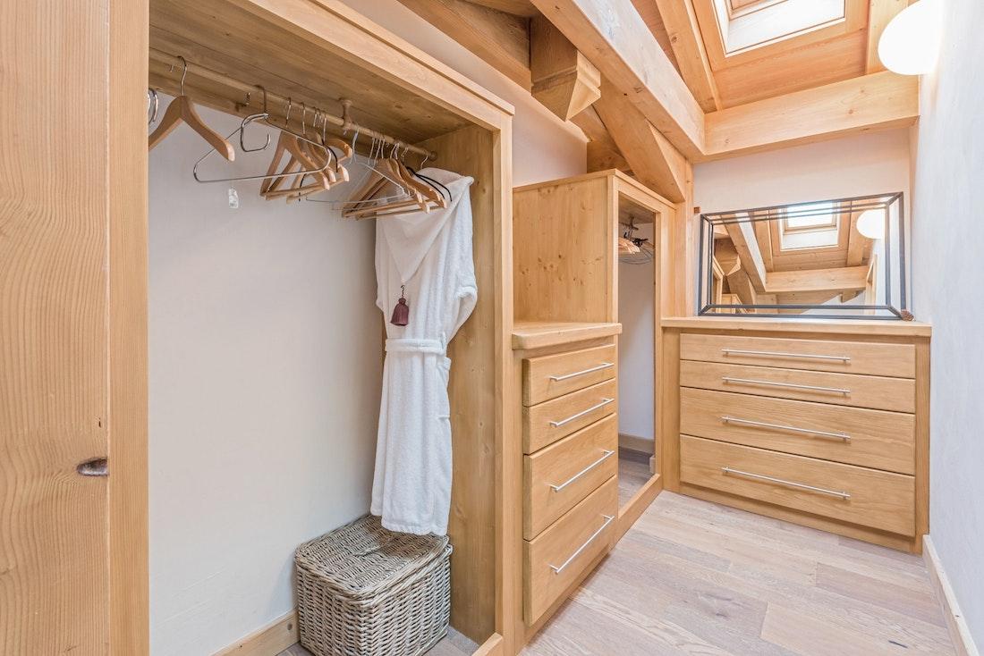Walk-in wooden wardrobe hotel services chalet Omaroo I Morzine