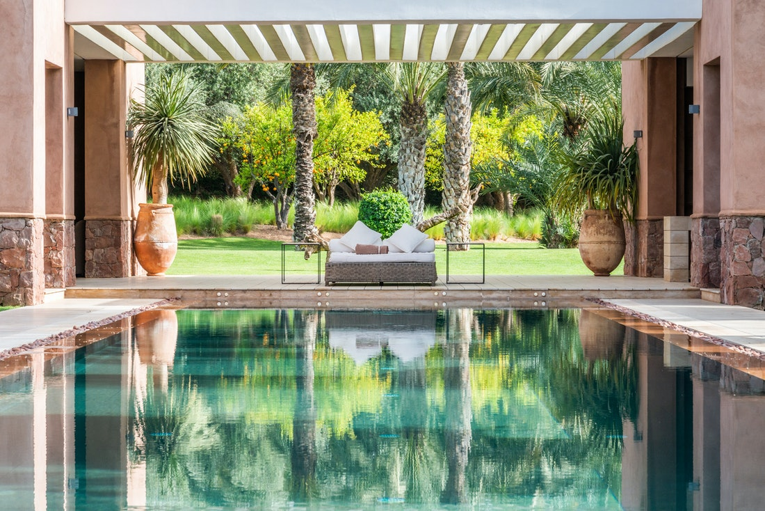 Private pool with outdoor living room at Zagora private villa in Marrakech