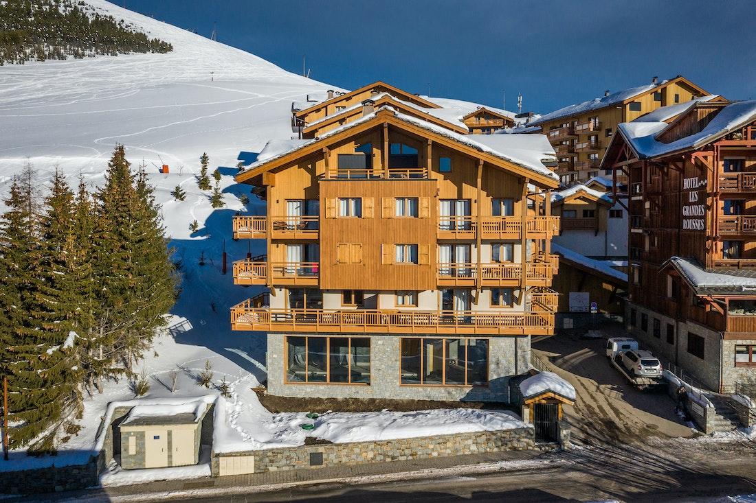 Wooden snowy outdoor luxurious residence apartment Juglans Alpe d'Huez
