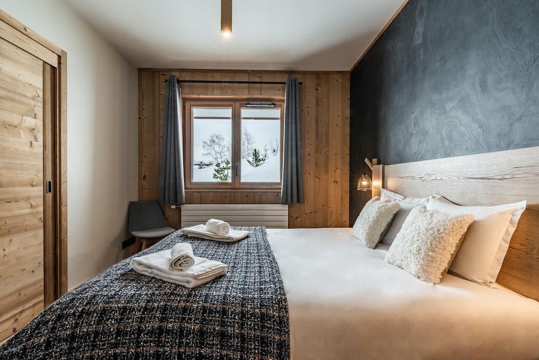 Spacious double bedroom landscape views ski in ski out apartment Sorbus Alpe d'Huez