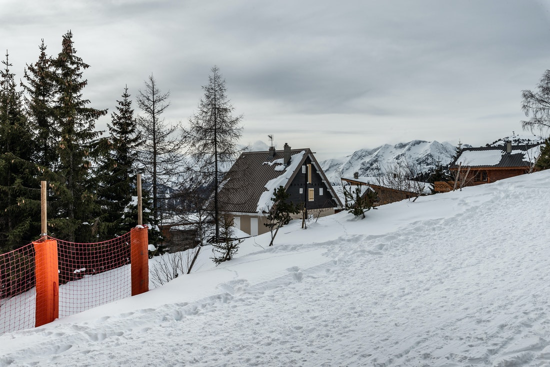 Luxury ski in ski out apartment alpine views at Sorbus Alpe d'Huez