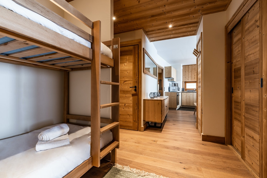Luxury family bunk bed room ski in ski out apartment Sorbus Alpe d'Huez