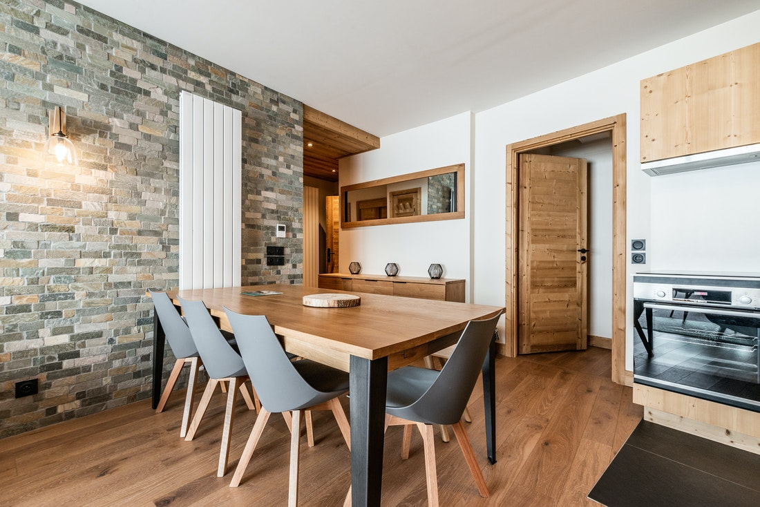Fully equipped dining room hotel services luxury ski in ski out apartment Sorbus Alpe d'Huez