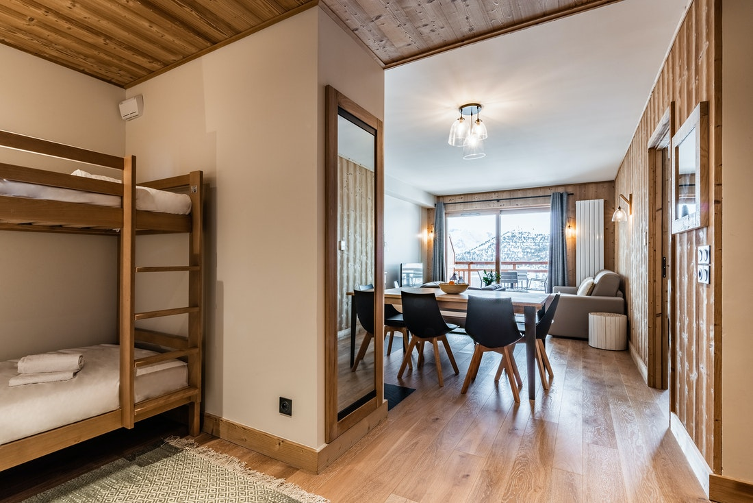 Cosy kids sleeping area bunk beds ski in ski out apartment Juglans Alpe d'Huez