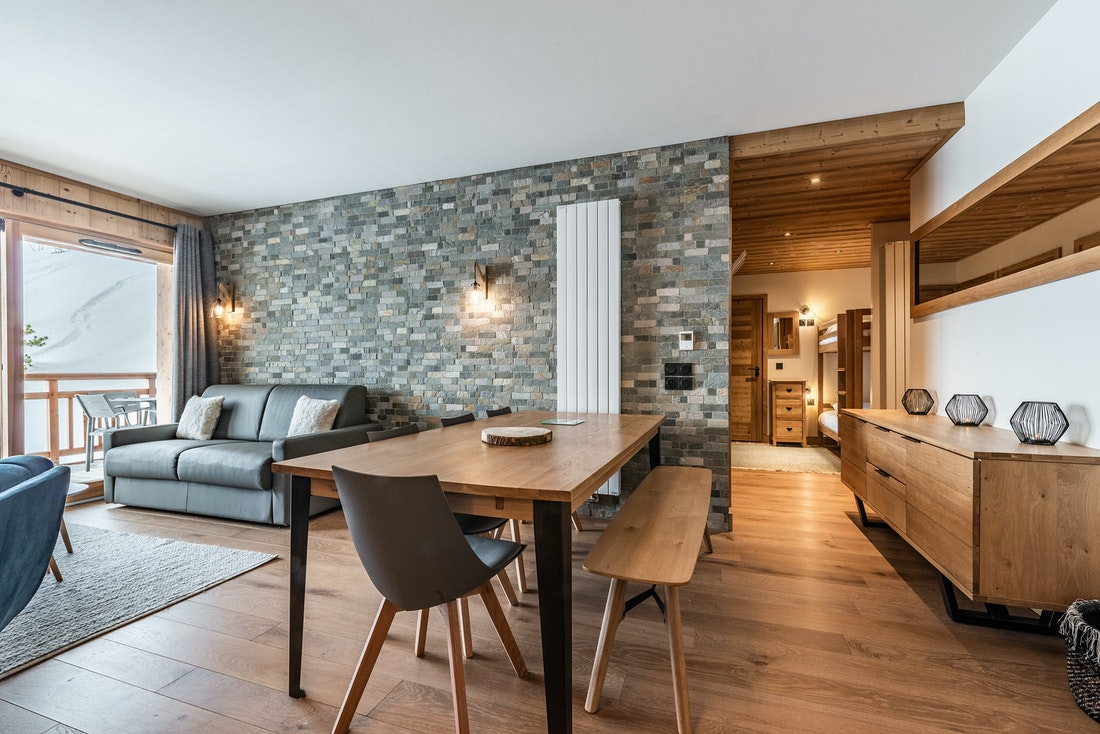 Modern dining room hotel services luxury ski in ski out apartment Sorbus Alpe d'Huez