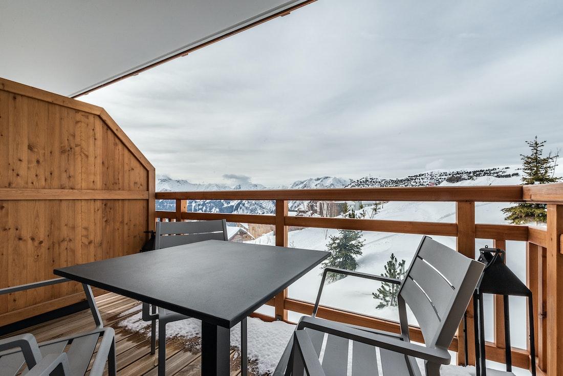 Great terrace view slopes luxury ski in ski out apartment Juglans Alpe d'Huez