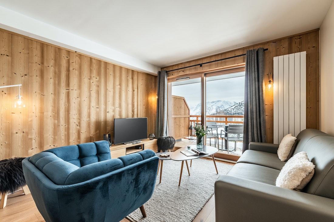 Design living room view mountain luxury ski in ski out apartment Juglans Alpe d'Huez