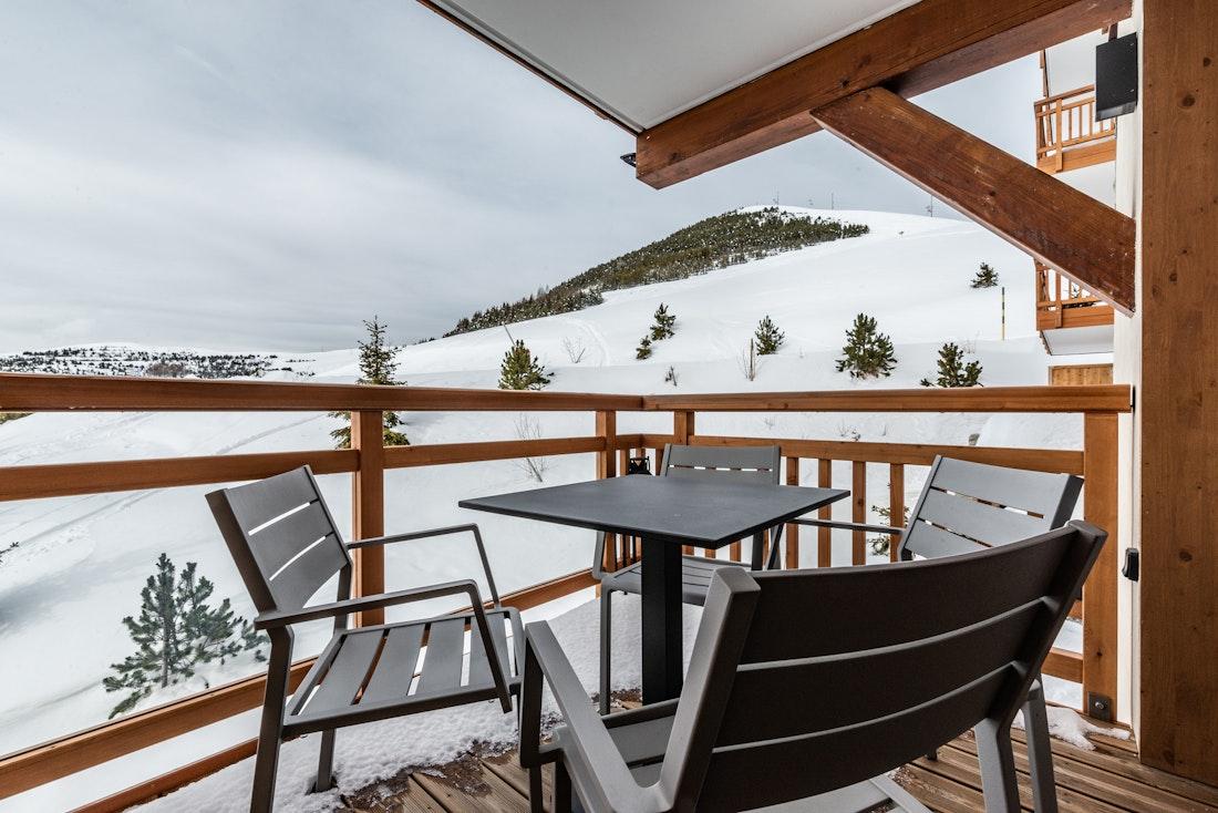 Spacious terrace view mountains luxury ski in ski out apartment Juglans Alpe d'Huez