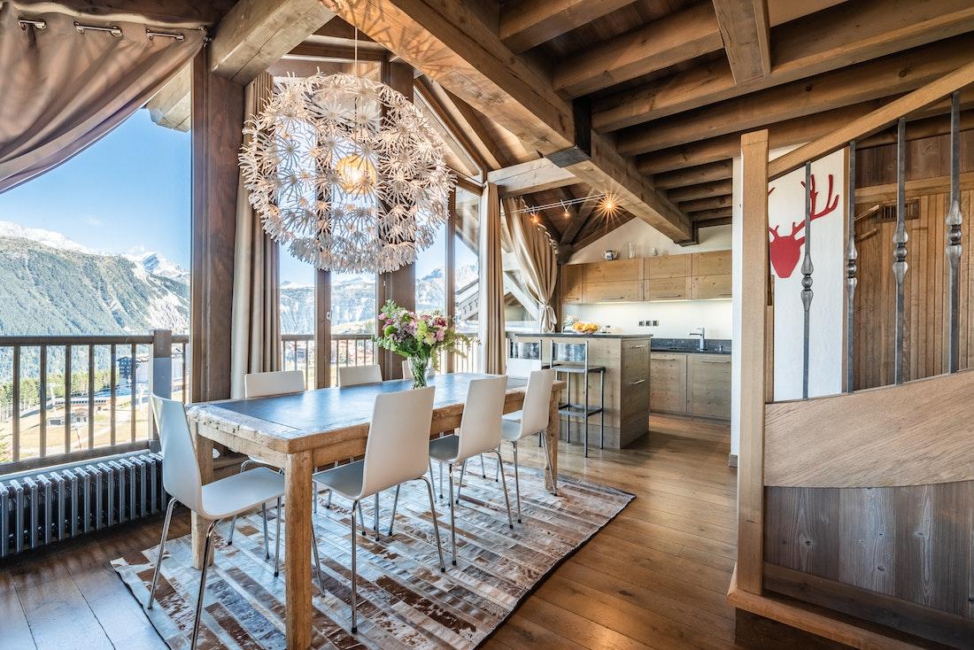 Cuisine contemporaine appartement de luxe familial Tiama Courchevel 1850