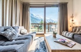 Spacious living room mountain view luxury family chalet Jatoba Chamonix