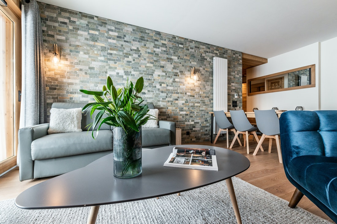 Design living room coffee table luxury ski in ski out apartment Sorbus Alpe d'Huez