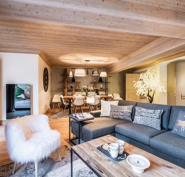 Spacieux salon élégant appartement de luxe familial Padouk Courchevel Moriond