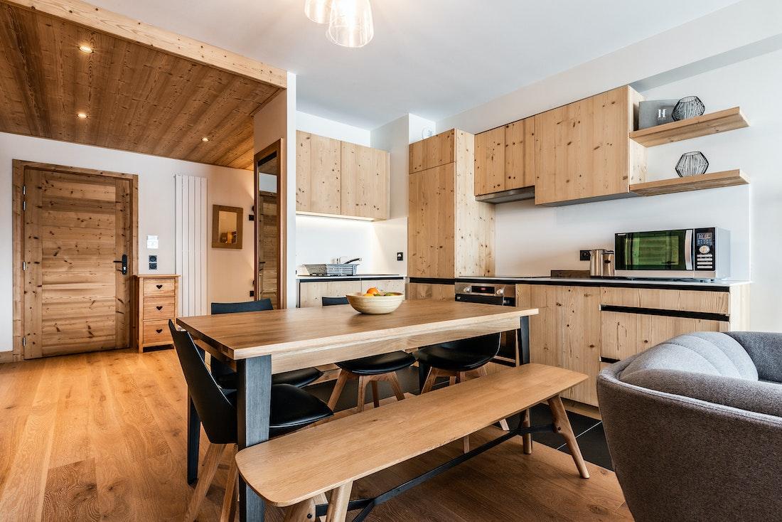 Comtemporary kitchen luxury ski in ski out apartment Thuja Alpe d'Huez
