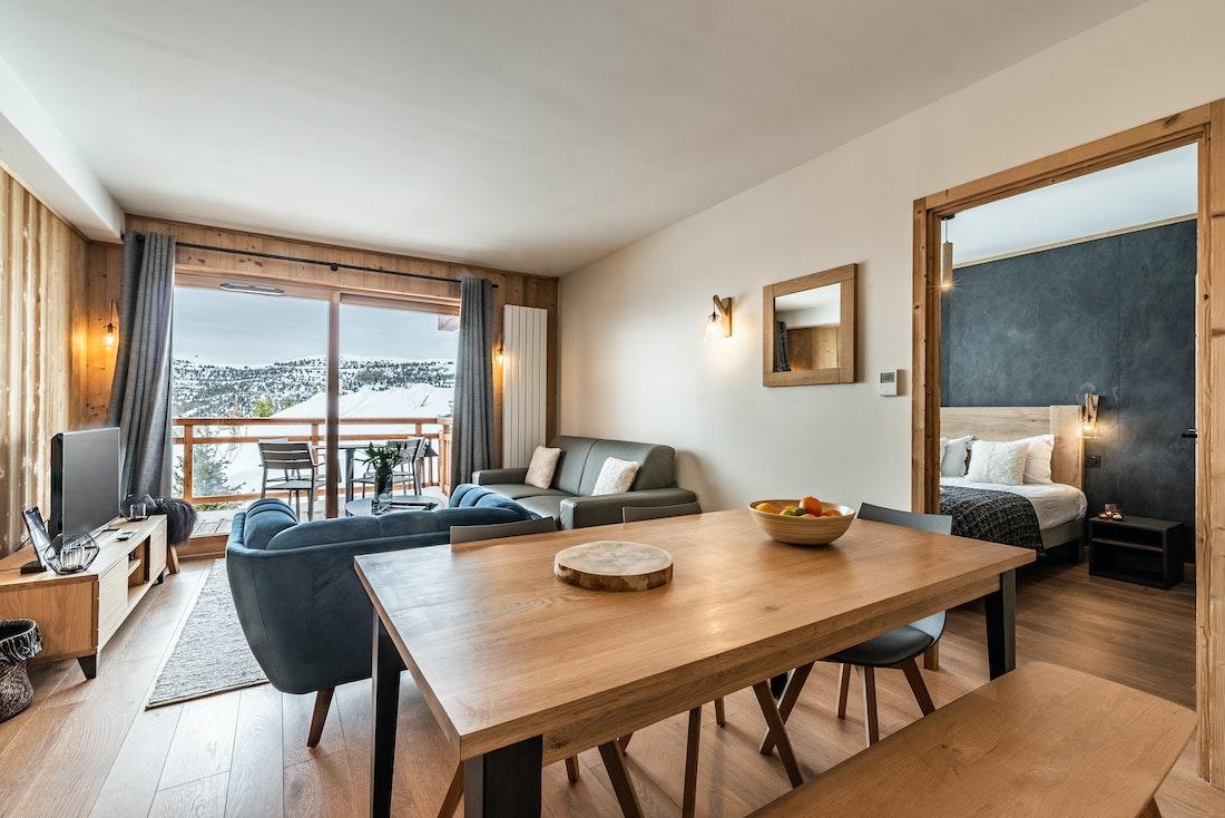 Alpine living room luxury ski in ski out apartment Juglans Alpe d'Huez