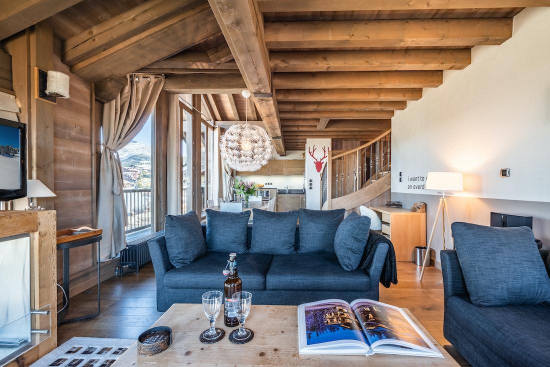 Salon élégant confrotable appartement de luxe familial Tiama Courchevel 1850
