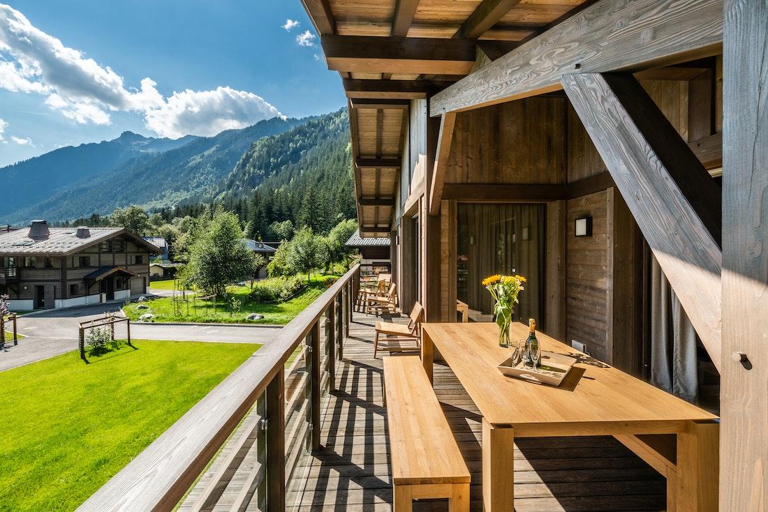 Large terrace luxury family chalet Jatoba Chamonix