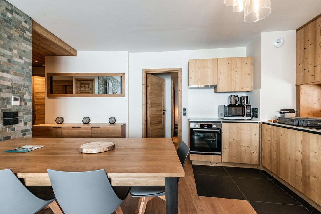Fully equipped kitchen hotel services luxury ski in ski out apartment Sorbus Alpe d'Huez