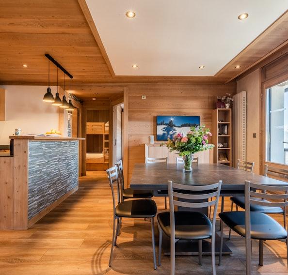 Cuisine contemporaine appartement de luxe aux pieds des pistes Itauba Courchevel 1850